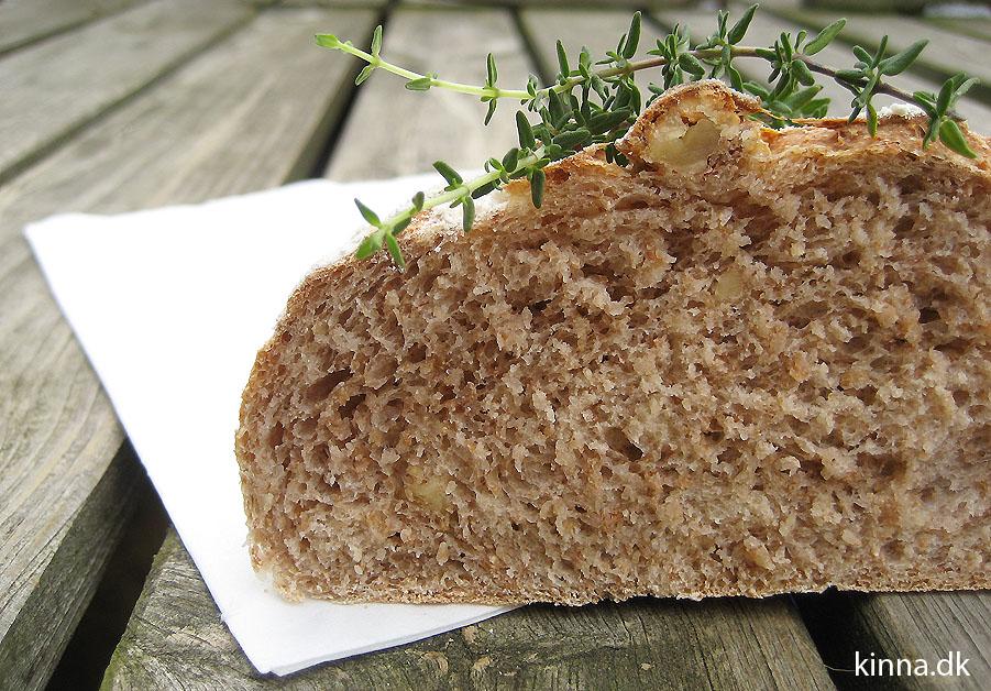 Halveret brød
