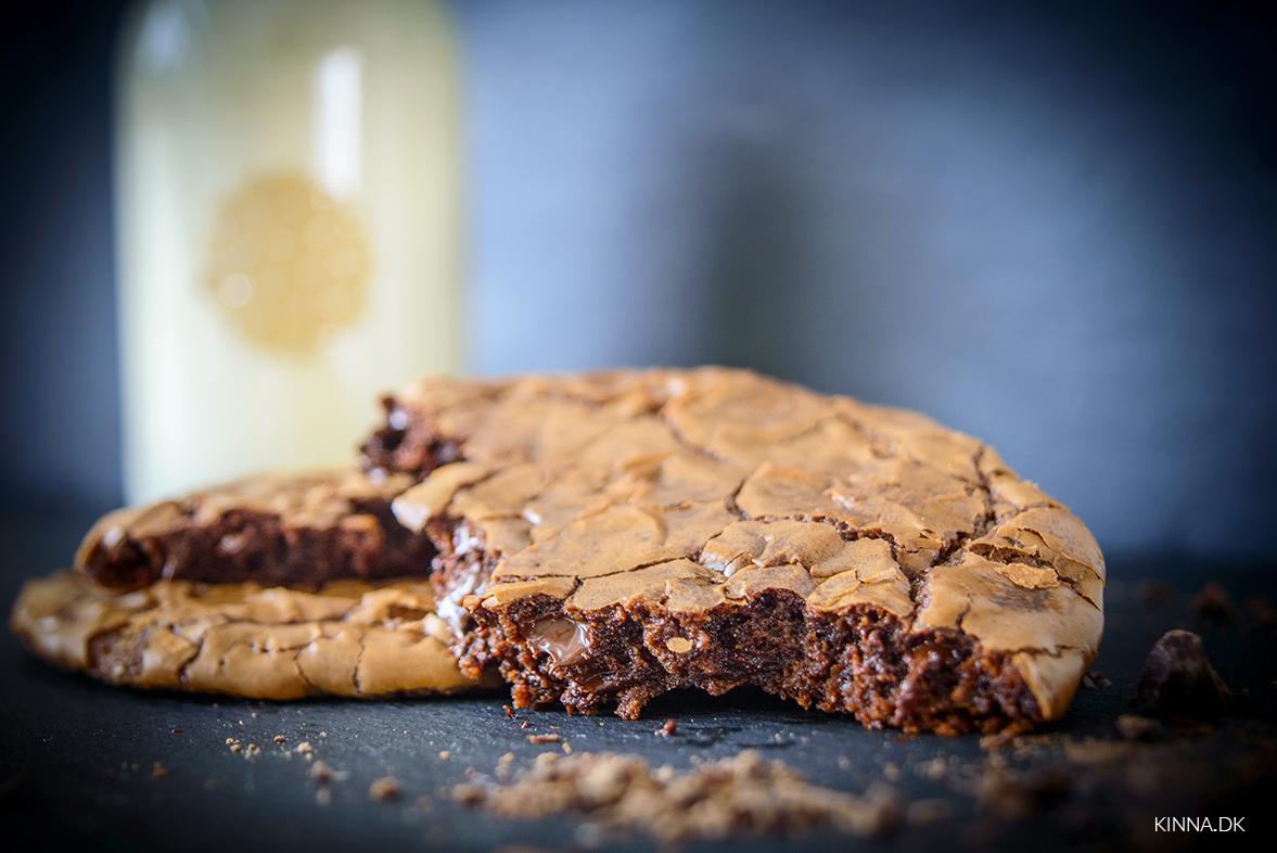 Store, lækre chokoladecookies