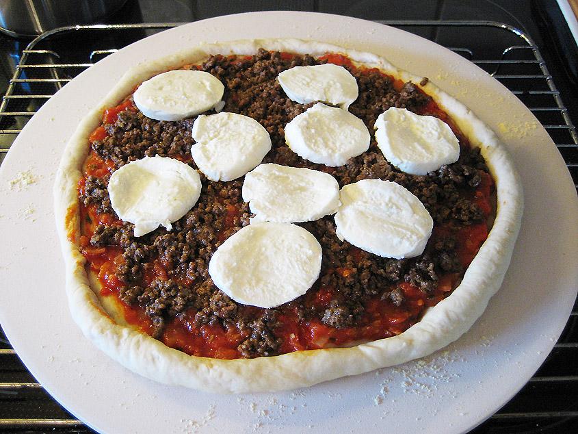 Pizza klar til ovnen