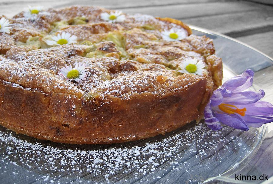 Rabarberkage med kokos - en rigtig lækker forårskage