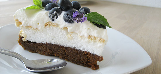 Bastogne-tærte med friske blåbær
