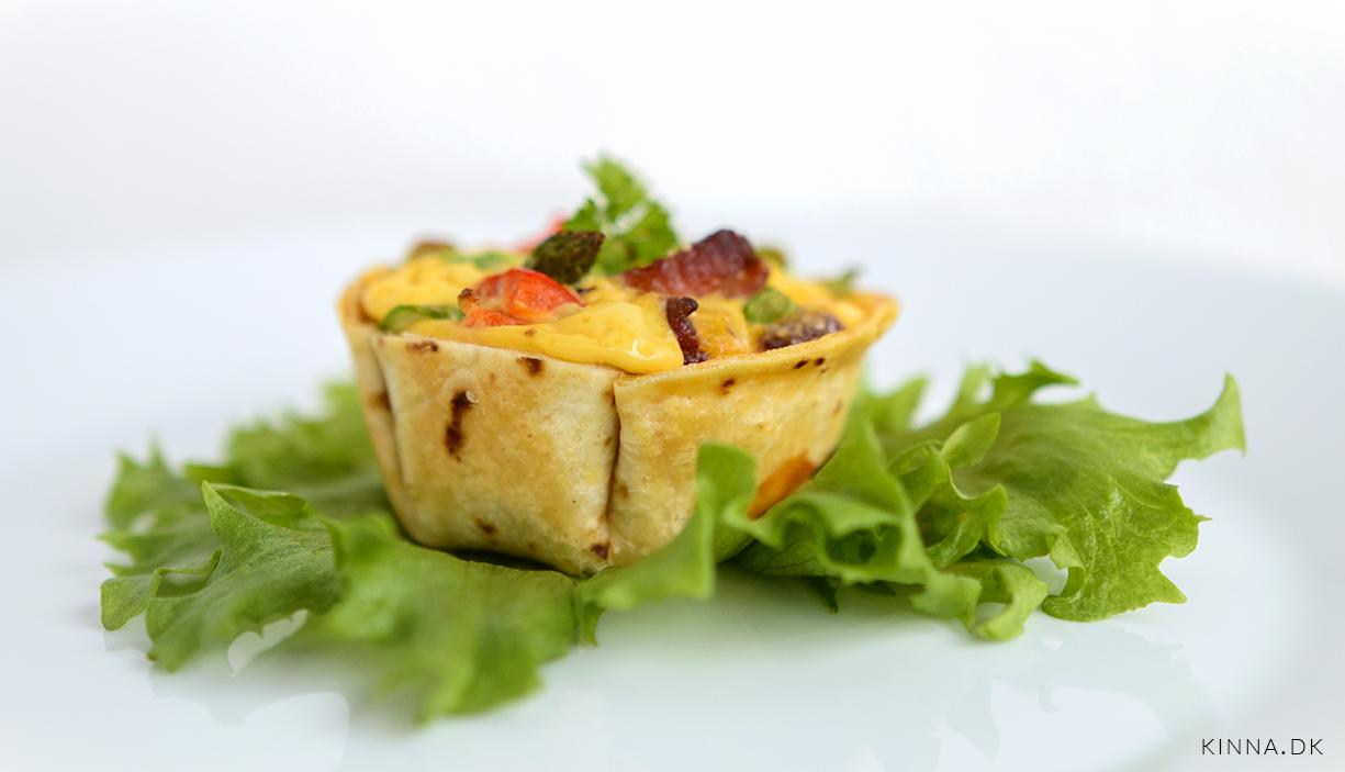 Tortilla muffins med peberfrugt, grønne asparges og bacon