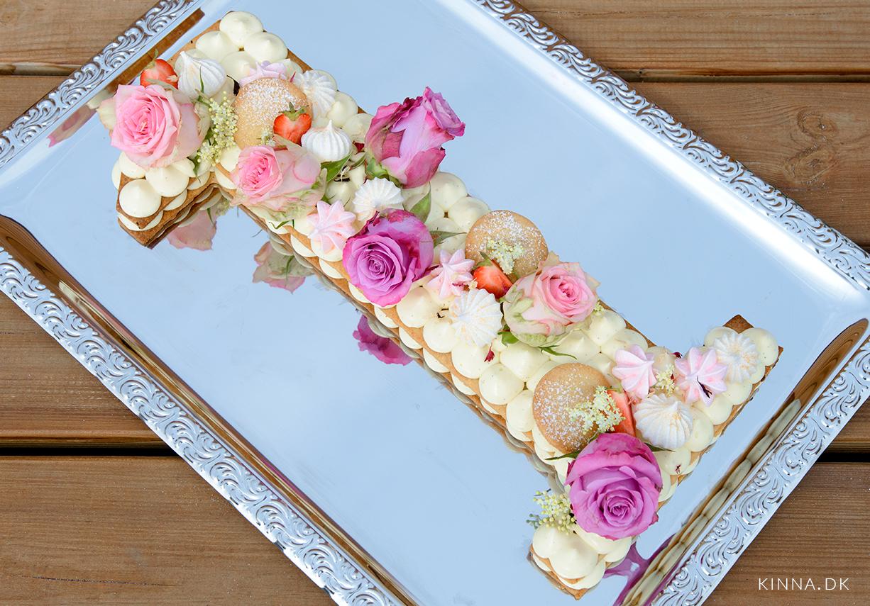 Den ultimative fødselsdagskage – talkage/bokstavkage lavet på sprøde mørdejsbunde med hyldeblomstcreme